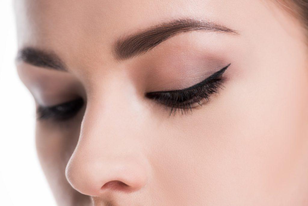 Tratamiento alisado de cejas