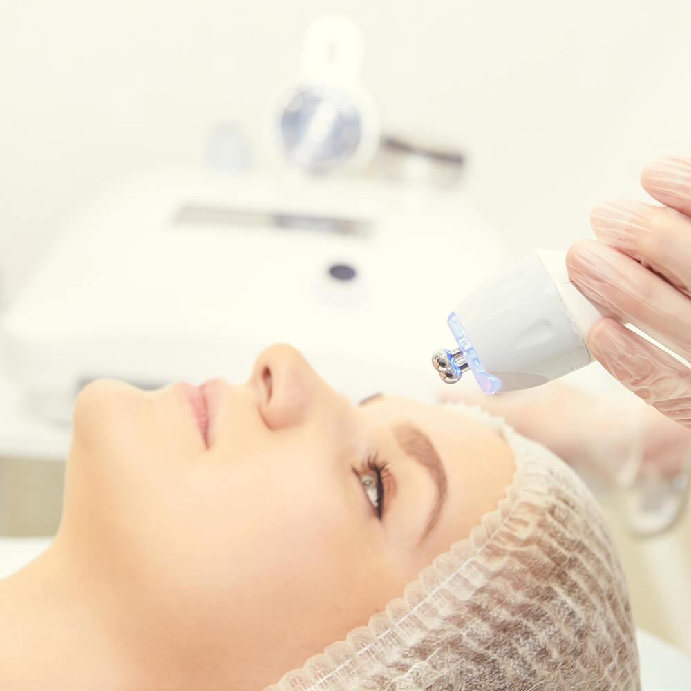 Lee más sobre el artículo Ventajas de la limpieza facial